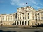 ЗакС Петербурга ушел налетние каникулы до10сентября