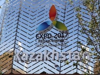 Назарбаев иРенци застряли влифте наЭКСПО вИталии