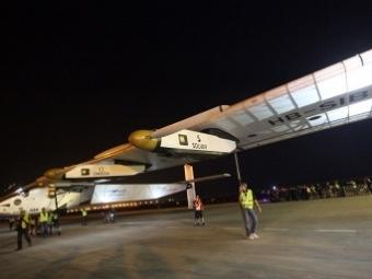 Самолет насолнечных батареях после ремонта продолжил кругосветное путешествие