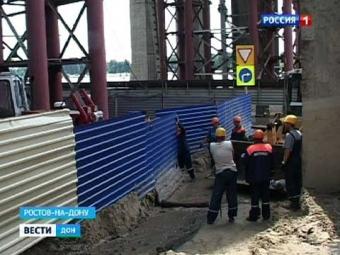 Земля из-под Ворошиловского моста засыпала ростовскую набережную | РИА ФедералПресс