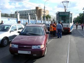 Засоздание помех движению электротранспорта савтовладельцев взыскано около 2млнруб.