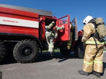 Полигон ТБО вЛенобласти тушат 77 пожарных