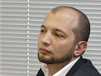 """Гендиректор """"Коммерсанта"""" извинился за непрофессионализм во """"Власти"""""""
