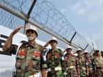 Южнокорейские военные атаковали пассажирский лайнер