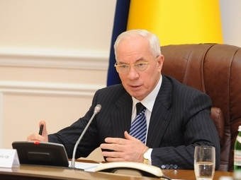 Украинский премьер-министр Азаров требует прекратить «произвол и беззаконие»