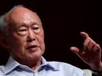 Легендарный премьер-министр Сингапура попал в больницу с подозрением на лихорадку