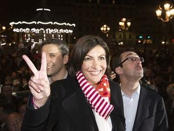 Мэром Парижа впервые в истории стала женщина