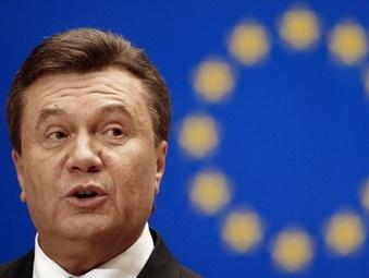 Янукович обратился в суд в связи санкциями ЕС