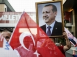 Победившего на выборах в Турции Эрдогана поздравил его проигравший конкурент Ихсаноглу