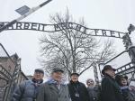 Солдаты Советской армии освободили Освенцим— Меркель