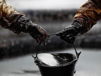 Экспортная пошлина нанефть снизилась на $57,3— Россия выполнила маневр