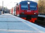 Потребовал отправительства президент Путин: Пригородные электрички должны быть восстановлены немедленно