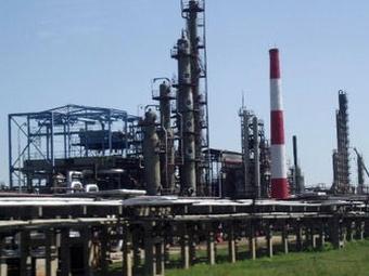 Налоговая служба пытается взыскать с Омского нефтезавода 809 млн рублей