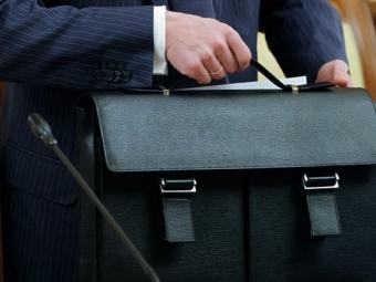 Путин поручил составить списки чиновников, которым запрещено хранить деньги зарубежом