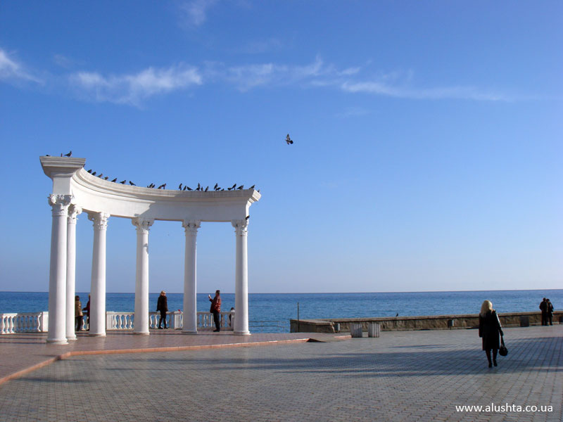 На майские праздники в Крым съездило около 27 тысяч граждан России