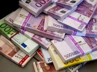 Биржевой курс доллара превысил 55 руб, евро стремится к62