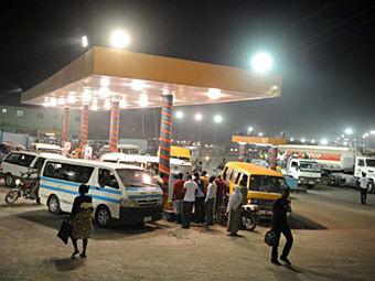 В Нигерии началась общенациональная забастовка из-за цен на бензин