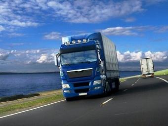 На Среднем Урале из-за разбитых дорог закрыли проезд для большегрузов