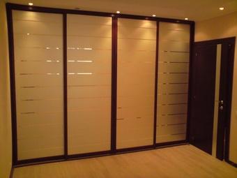 Каким должен быть шкаф для спальни?