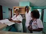Власти Кубы сократили более 100 тысяч врачей