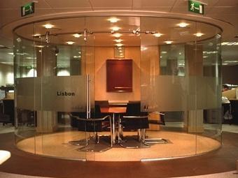 Качественные конструкции из стекла отечественного производства