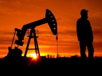 Цена на нефть упала ниже 55 долларов