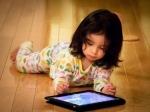 Современные дети превращаются в«вампиров» из-за недосыпания игаджетов