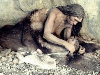 Ученые: НаАлтае найдена самая древняя подвеска иззубов лося