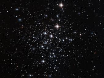 Хаббл сфотографировал шаровое скопление звезд Паломар 12