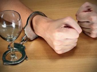 Алкоголизм можно лечить спомощью белков мозга