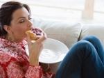 Ученые: Любимая еда спасает отодиночества