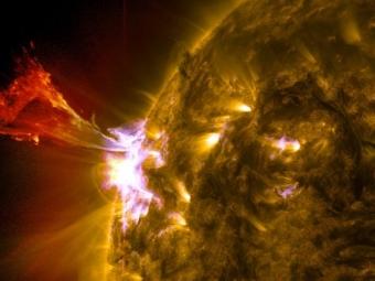 Ученые соотнесли периоды активности Солнца сосменой времен года