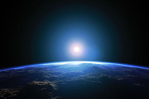 Луна возникла из-за столкновения планет Земля и Тей — Ученые