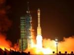 """Китайский корабль """"Шэнчжоу-8"""" успешно пристыковался к модулю"""