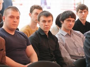 Аспирант из России исследовал в Гонконге образцы нефтяного пека, полученного в иркутском вузе