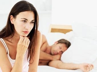 Незаметно симулировать оргазм невозможно