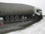 ВРязанской области «Ниссан» попал под фуру— водитель погиб
