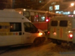 Вцентре Саратова столкнулись маршрутка итрамвай №10