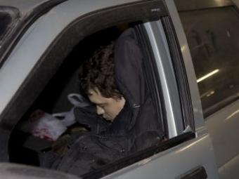 ВКопейске нашли машину сдвумя телами иподозрительным шприцем всалоне
