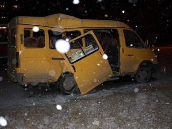 Маршрутку сдуло ветром вкювет вУльяновской области