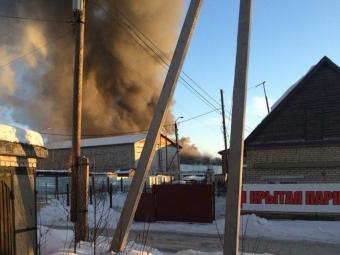 ВБарнауле 40 пожарных тушили цех компании «Росмолснаб»