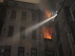 Пожар вдоме наОктябрьской набережной ликвидирован, эвакуированы семь человек— МЧС