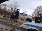 Машина такси врезалась встолб наРаахе— уводителя ипассажира травмы головы