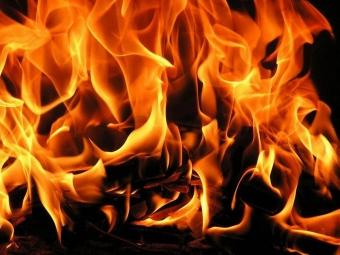 Заночь вЮгре сгорели «Great Wal», «Toyota» и«Porsche»