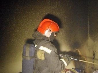 Возгорание вкоммуналке нанабережной Кутузова ликвидировали 15 пожарных