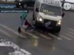Водитель маршрутки сбил ребенка на«зебре» под Петербургом— Пристегните ремни