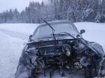 Иномарка улетела под грузовик натрассе «Кола» вКарелии