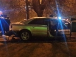 НаМоспроспекте «Ауди» разорвало отудара вдерево: водитель вреанимации