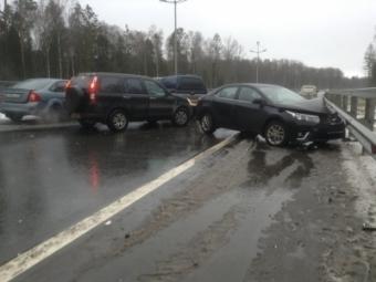 НаПриморском кольце столкнулись 7 автомобилей