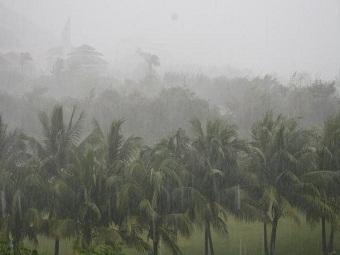Над островом Хайнань прошел мощный циклон